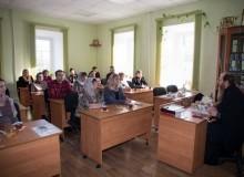 Встреча Архипастыря с родителями православных витязей. Божественная Литургия.